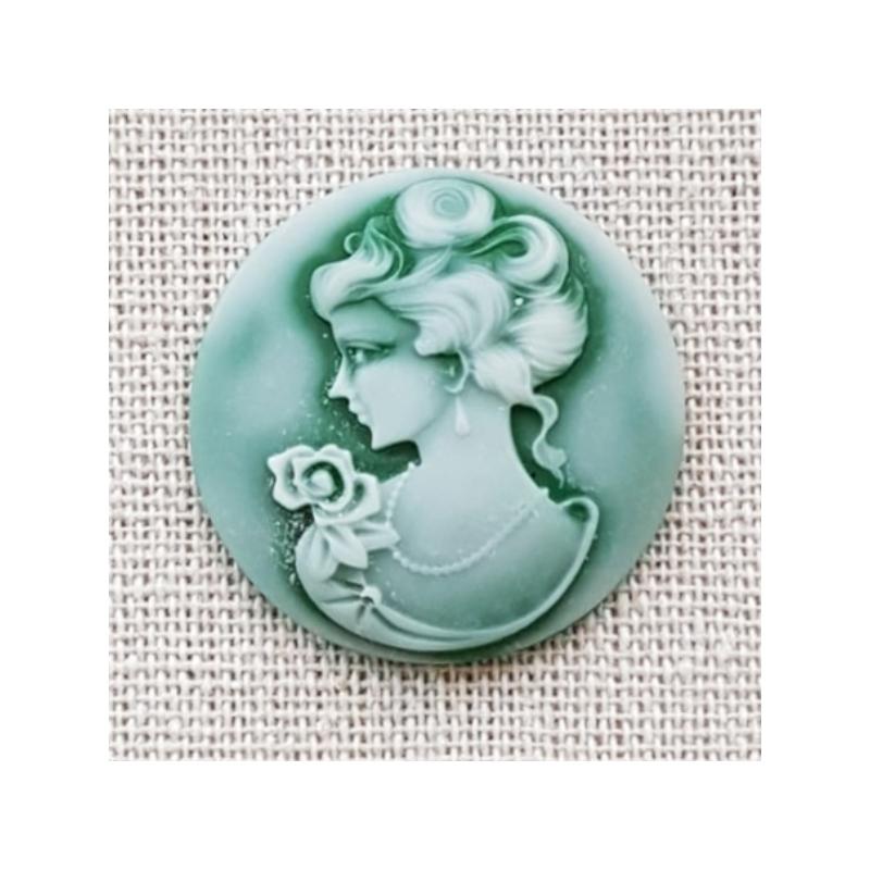 Kamee Daamiga roheline 3cm