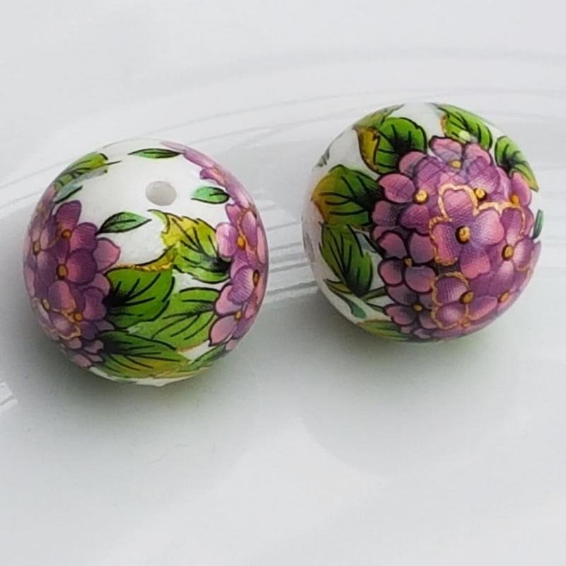 Tensha 16mm valge helmes lilla hortensiaga